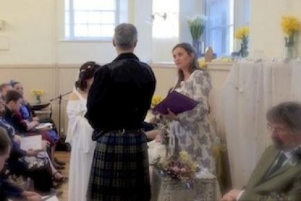 Davina McCluskie Conducts Handfasting Wedding in Scotland